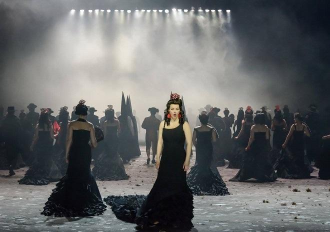G. Bizet: Carmen - Jana Hrochová (Carmen) - ND Brno 2016 (foto ND Brno)