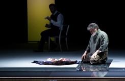 Osterfestspiele Salcburk: Otello jako bezradný lev ve tmavé kleci