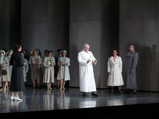 Richard Wagner: Lohengrin - Maida Hundeling (Elsa), Peter Mikuláš (Kráľ Heinrich), Eliška Weissová (Ortrud), Anton Keremidtchiev (Friedrich) - SND Bratislava 2013 (foto Alena Klenková)