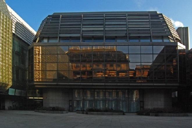 Restaurační budova a Nová scéna Národního divadla (foto archiv)
