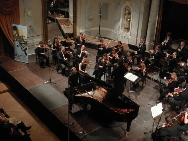 Mezinárodní smetanovská klavírní soutěž 2016: Koncert vítězů - Valentin Popov (foto Petr Bureš)