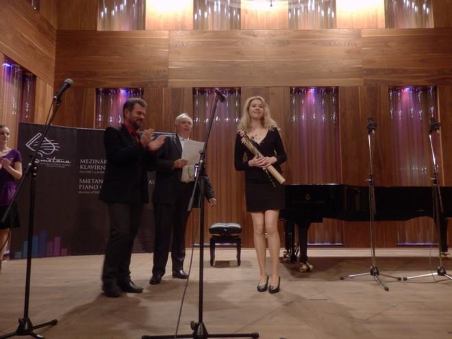 Mezinárodní smetanovská klavírní soutěž 2016 - Johanna Haniková (foto Petr Bureš)