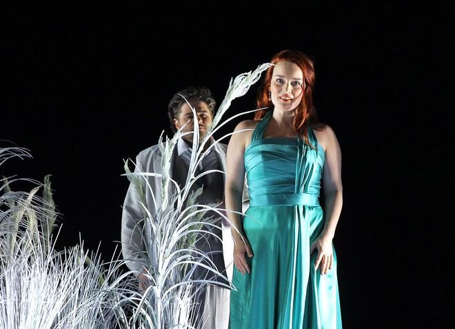 Bohuslav Martinů: Juliette (Snář) - Peter Berger (Michel) a Alžběta Poláčková (Juliette) - ND Praha 2016 (foto Hana Smejkalová)