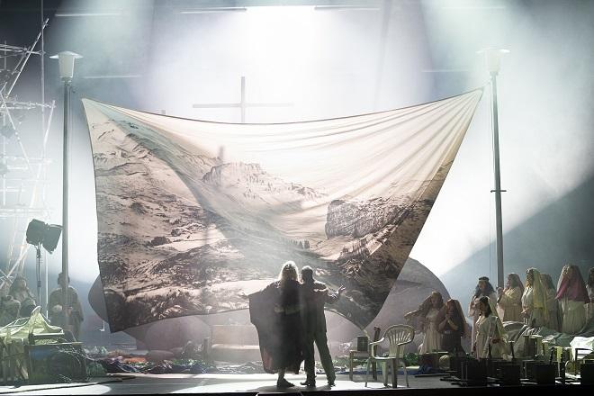 B.Martinů: Die Griechische Passion - Markus Butter (Fotis), Manuel von Senden (Yannakos) - Oper Graz 2016 (foto © Werner Kmetitsch)