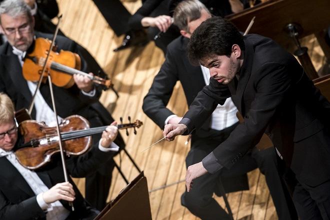 Lahav Shani - Česká filharmonie - Praha 2.4.2016 (foto Petra Hajská)