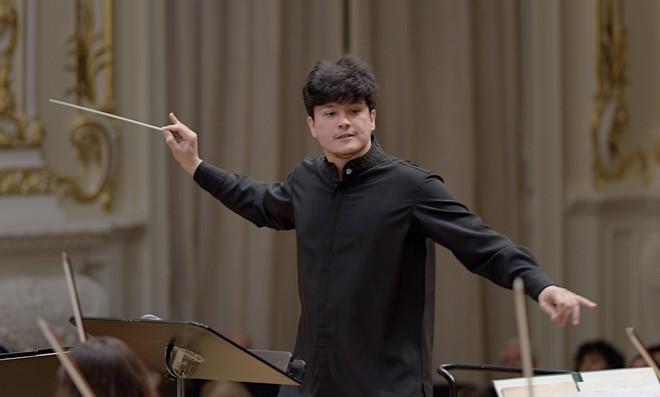 Slovenská filharmónia & Aziz Shokhakimov – Koncertná sieň SF Bratislava 2016 (foto © Ján Lukáš)