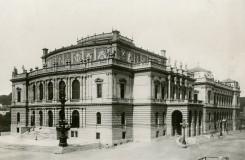 Práce a živá přítomnost České filharmonie