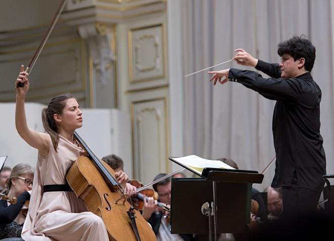 Slovenská filharmónia & Aziz Shokhakimov – Camille Thomas (violončelo) – Koncertná sieň SF Bratislava 2016 (foto © Ján Lukáš)