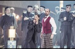 Charles Gounod. Romeo a Julie (Roméo et Juliette) - Štěpánka Pučálková (Stéphano), Martin Matoušek (Gregorio) - ND Praha 2016 (foto Patrik Borecký)