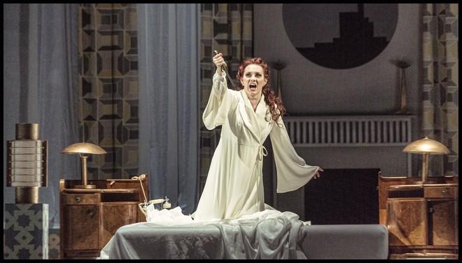 Charles Gounod: Romeo a Julie (Roméo et Juliette) - Jana Šrejma Kačírková (Julie) - ND Praha 2016 (foto Patrik Borecký)