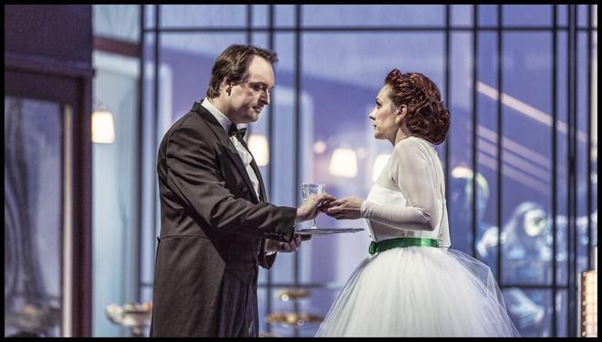 Charles Gounod: Romeo a Julie (Roméo et Juliette) - Martin Šrejma (Romeo), Jana Šrejma Kačírková (Julie) - ND Praha 2016 (foto Patrik Borecký)