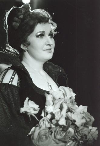 Antonín Dvořák: Rusalka - Eva Urbanová (Cizí kněžna) - DJKT Plzeň 1988 (foto archiv DJKT)
