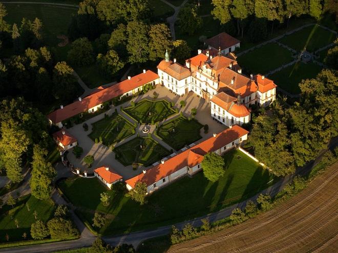Zámek Jemniště (foto archiv)