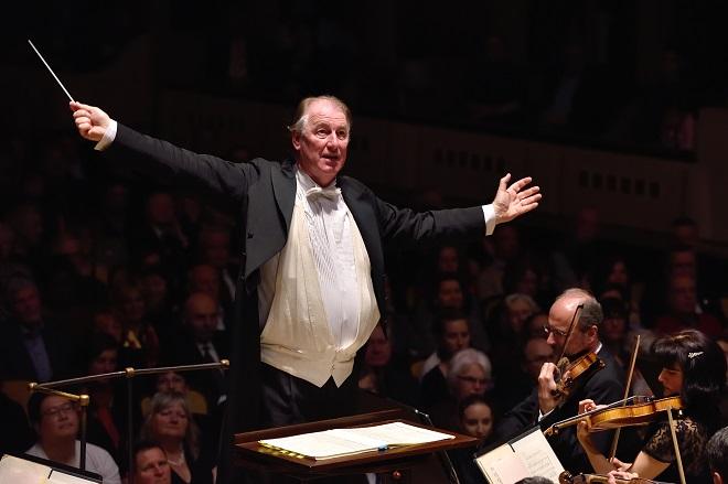 Symfonický orchestr hl.m. Prahy FOK - Jac van Steen (foto Petr Dyrc / FOK)