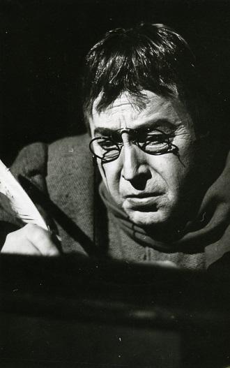 J. Cikker: Mister Scrooge - Janko Blaho (pisár Bob) - (foto archív SND)