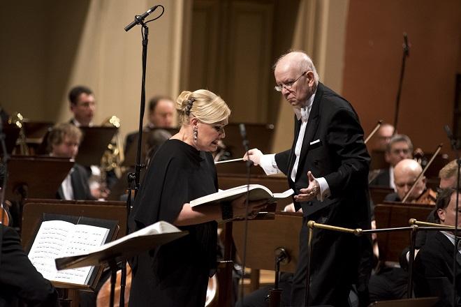 L.Janáček: Její pastorkyňa - Karita Mattila, Jiří Bělohlávek - Praha 15.4.2016 (foto Petr Kadlec)