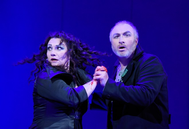 Giuseppe Verdi: Macbeth - Katarína Jorda Kramolišová (Lady Macbeth), Pavel Klečka (Macbeth) - DJKT Plzeň 2016 (foto DJKT Plzeň)