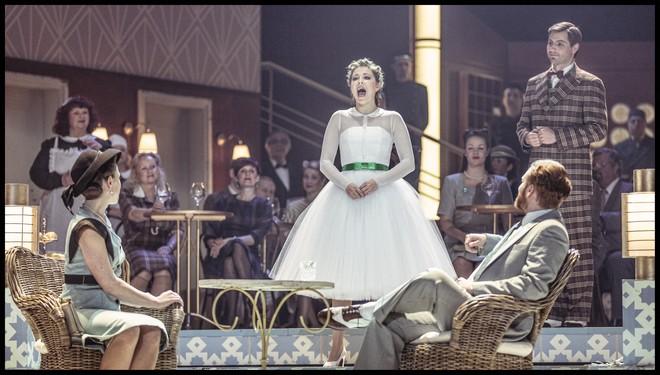 Charles Gounod: Romeo a Julie (Roméo et Juliette) – Kateřina Kněžíková (Julie) – ND Praha 2016 (foto Patrik Borecký)