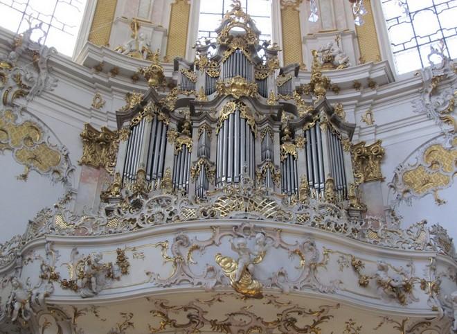 Německo - klášter Ettal - barokní varhany 1768, J. G. Horterich (zdroj toptrip.cz)