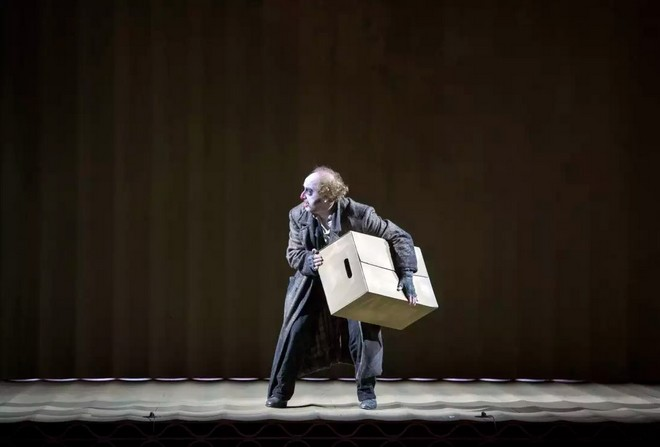 Giuseppe Verdi: Rigoletto - Opéra national de Paris 2016 (foto © Monika Rittershaus)