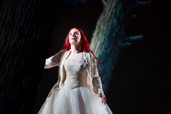 Antonín Dvořák: Rusalka - Anne Sophie Duprels (Rusalka) - Scottish Opera 2016 (foto James Glossop)