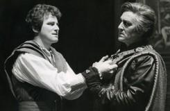 G. Verdi: Simon Boccanegra - Jozef Kundlák (Gabriele Adorno), Juraj Hrubant (Paolo Albiani) SND 1985 (foto archív SND)