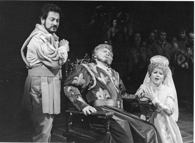 G. Verdi: Simon Boccanegra - Osvaldo di Pianduni (Gabriele Adorno), František Caban (Simon Boccanegra), Anna Czáková (Amelia Grimaldi) - SND 1985 (foto archív SND / Anton Sládek)