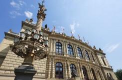 Zůstanou České filharmonii a Pražskému filharmonickému sboru současná vedení? Ministerstvo uzavírá výběrová řízení
