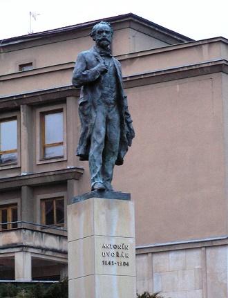 socha Antonína Dvořáka v Přibrami (zdroj wikipedia.org)