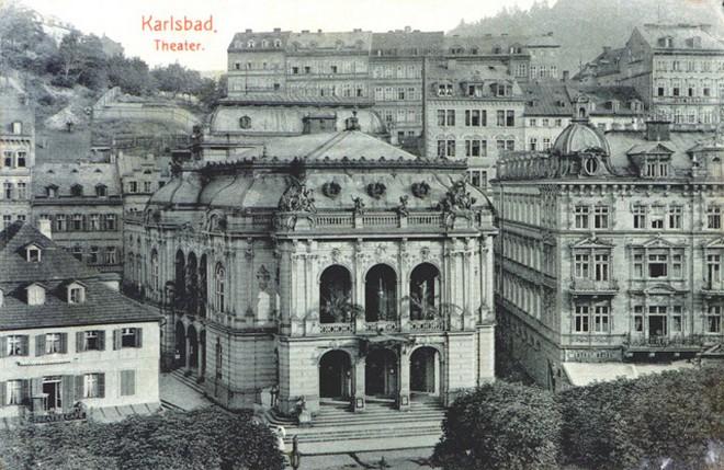 Městské divadlo Karlovy Vary (zdroj theatre-architecture.eu)