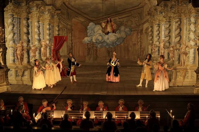 Georg Friedrich Händel: Terpsichora (úvodní sbor) - Musica Florea a Hartig Ensemble - Barokní divadlo zámku Český Krumlov 2011 (foto Libor Sváček)