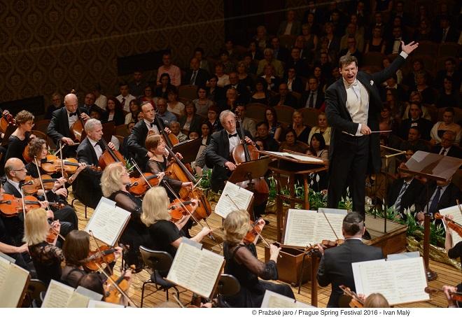 Litevský národní symfonický orchestr: Modestas Pitrėnas - 23.5.2016 Pražské jaro 2016 (foto © Pražské jaro - Ivan Malý)