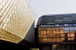 Část budov Nové scény Národního divadla jde do dražby