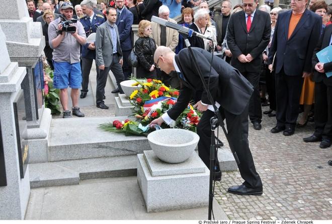 Pietní akt na památku Bedřicha Smetany 12.5.2016 (foto PJ Zdenek Chrapek)