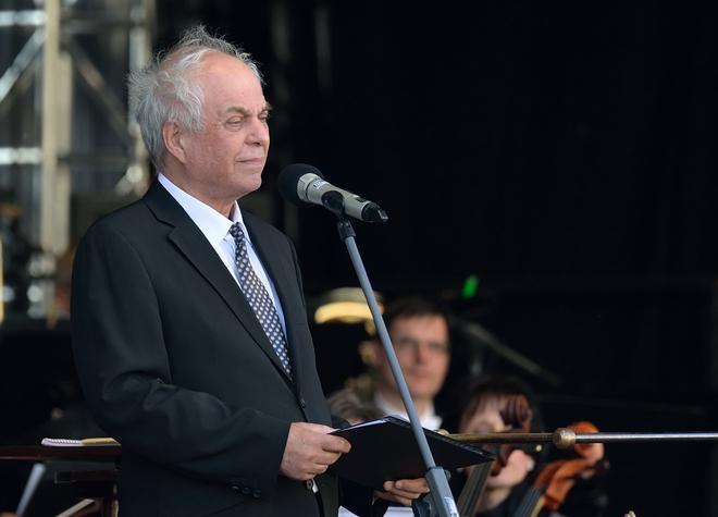 Symfonický orchestr hl.m.Prahy FOK - Alfred Strejček - Staroměstské náměstí 11.5.2016 (foto Petr Dyrc)