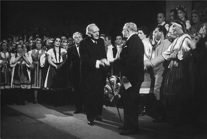 J.B.Foerster: Eva - Josef Burda, Josef Bohuslav Foerster, Ferdinand Pujman (při premiéře) - ND Praha 1949 (foto Josef Heinrich)