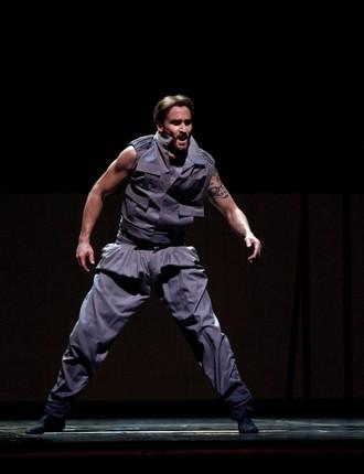 Hamlet - choreografie Kevin O'Day - Jiří Jelínek (Claudius) - The National Ballet of Canada (foto Aleksandar Antonijevic)
