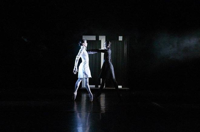 M.Hanousková/P.Čermák: Jekyll & Hyde - Divadlo F.X.Šaldy 2016 (foto Lukáš Trojan)