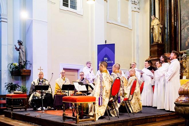 Gjosan-rjú Tendai šómjó, Schola Gregoriana Pragensis - MHF Lípa Musica 2016 (foto Lukáš Pelech Atelier)