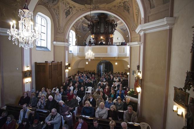 Pardubické hudební jaro 2016 - Chrámový koncert - Přelouč 30.4.2016 (foto Miloš Kolesár)