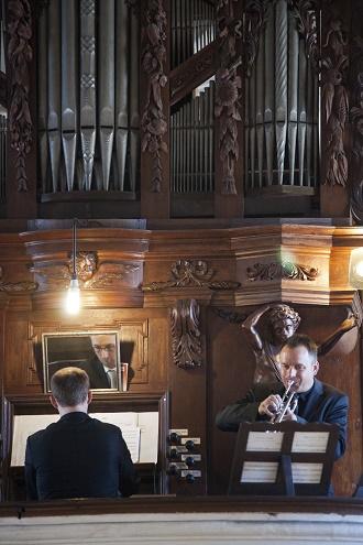 Pardubické hudební jaro 2016 - Chrámový koncert - Pavel Svoboda, Oliver Lakota - Přelouč 30.4.2016 (foto Miloš Kolesár)