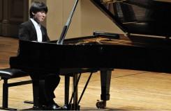 Omračující virtuozita. Korejský klavírista Seong-Jin Cho v prologu Pražského jara
