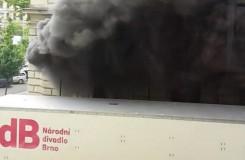 Mahenovu divadlu v Brně hořely kulisy, záchranáři museli ošetřit pět lidí