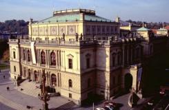 V čele České filharmonie a Pražského filharmonického sboru po konkurzu dál zůstávají Mareček a Sedláková