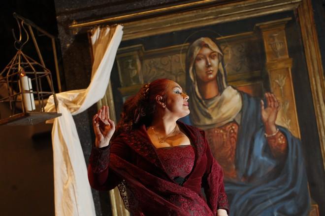 Anda-Louise Bogza jako Tosca - ND Praha (foto archiv Anda-Louise Bogza)