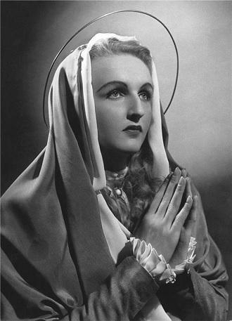 J.Křička: České jesličky - Jaroslava Vymazalová (Maria) - ND Praha 1949 (foto Josef Heinrich)
