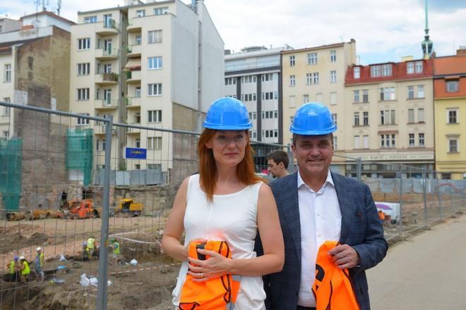 patronka nového koncertního sálu Magdalenu Koženou a primátor města Brna Petr Vokřál (zdroj FB Sál pro Brno)