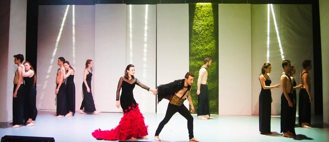 Christoph Willibald Gluck: Orfeus a Eurydika – Zdislava Bočková (Eurydika), Tadeáš Hoza (Orfeus) - JAMU 2016 (foto Vojtěch Kába)