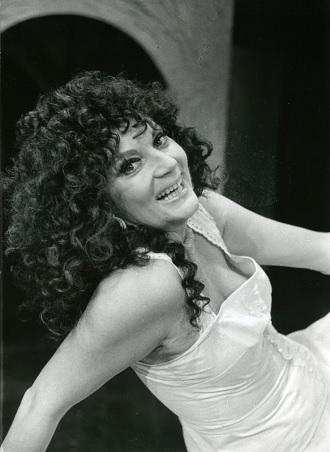 G.Bizet: Carmen - Iva Malinová (Carmen) - DJKT Plzeň 1990 (foto archiv DJKT Plzeň)