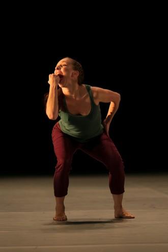 Deca Dance - choreografia Ohad Naharin - Fínsky národný balet (foto © Sakari Viika / Finnish National Opera)